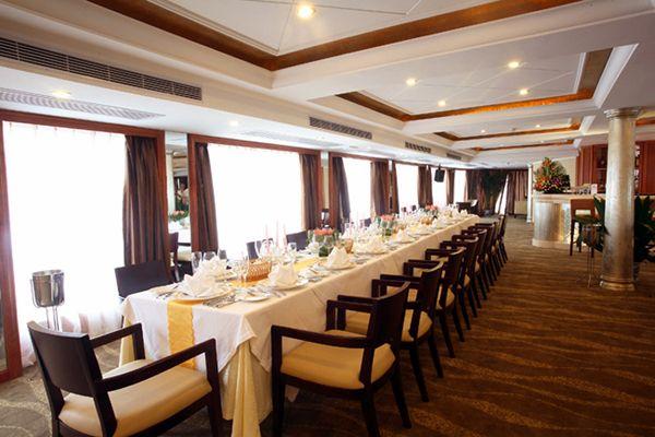 世纪钻石号_vip餐厅