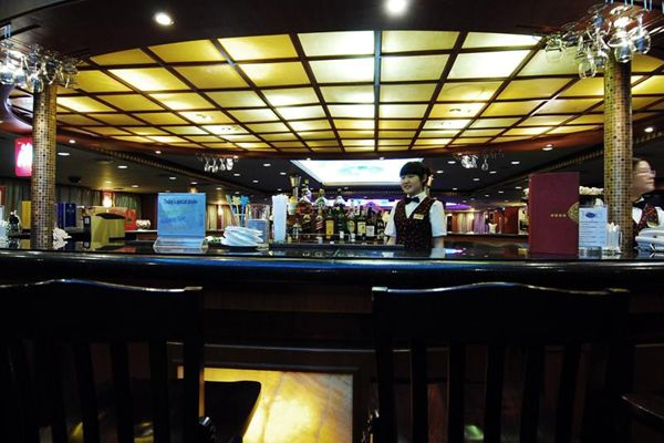 美維凱蒂號_酒吧